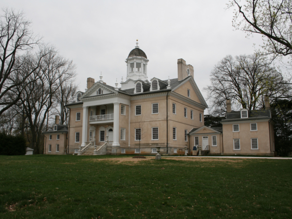 Hampton Mansion exterior.1383471358